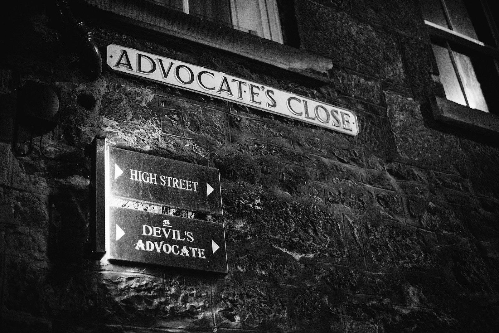 The Devil's Advocate - The Devil's Advocate - Bar & Kitchen